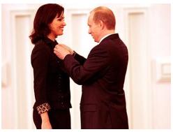 Netrebko wird von Kriegspräsident Putin mit einem Orden ausgezeichnet