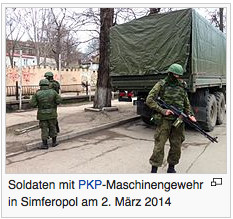 Soldaten mit PKP-Maschinengewehr in Simferopol am 2. März 2014