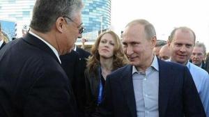 Filippo Lombardi mit Putin Hand in Hand...