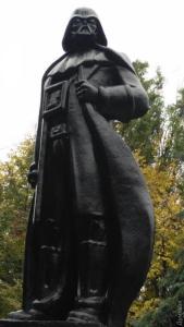 Darth-Vader-Denkmal des Künstlers Alexander Milow