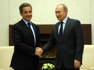 Am 29. Oktober traf Nicolas Sarkozy den russischen Präsidenten und fand versöhnliche Worte zu dessen Politik Foto: Getty Images