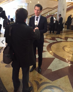 Außenminister Sebastian Kurz berichtet von seinem USA Besuch am Tag zuvor. Er reiste direkt von Washington nach Moskau-Foto-Wolfgang Unterhuber
