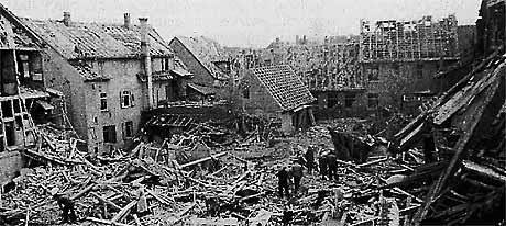 Ausgebombtes Dorf im 2. Weltkrieg