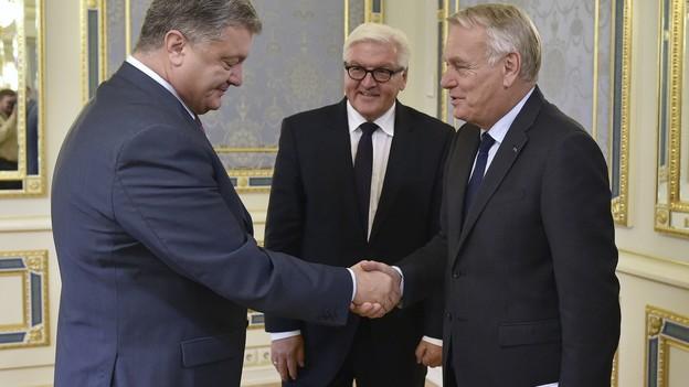 hoffnungsschimmer-fuer-die-ukraine-die-aussenminister-deutschlands-und-frankreichs-mit-praesident-petro-poroschenko-l-keystone