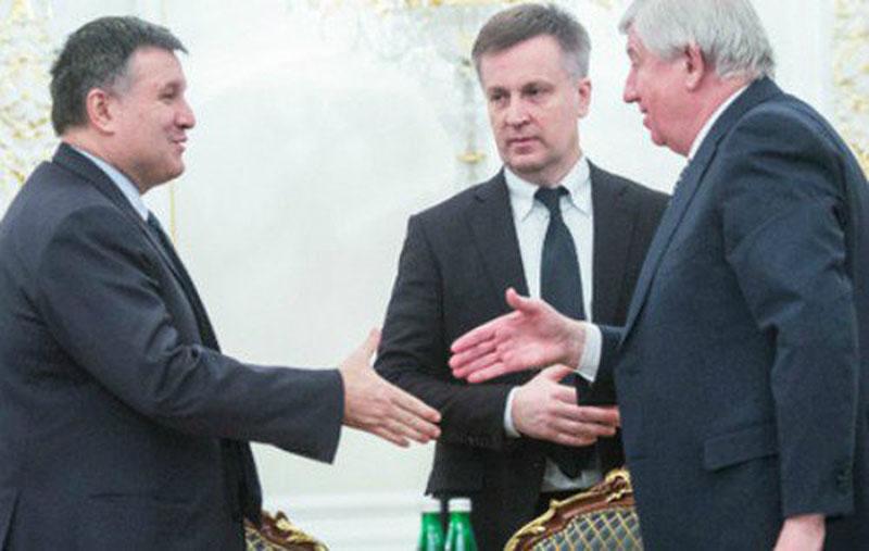 Nalyvaichenko never spoke out against Avakov